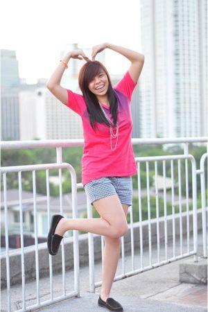 pink shirt - black shorts - black shoes - silver necklace