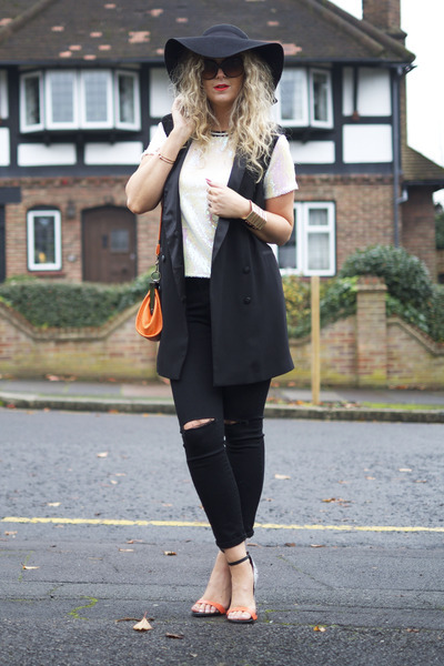 black ripped Boohoo jeans - black Primark hat - carrot orange next heels
