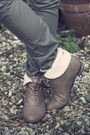 Light-brown-new-look-boots-army-green-primark-jeans-black-h-m-jacket-light