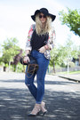 Navy-ripped-knee-asos-jeans-bubble-gum-floral-sheinside-blazer