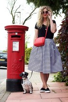 red F&F bag - black new look skirt