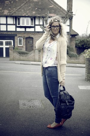 red Primark flats - blue Primark jeans - black vintage bag