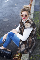 dark brown fur gilet Boohoo vest - blue H&M jeans - white Zara jumper