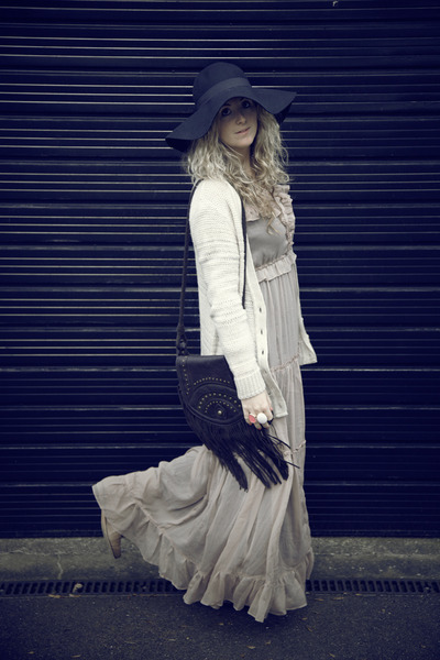 brown new look boots - tan asos dress - black H&M hat - dark brown Primark bag -