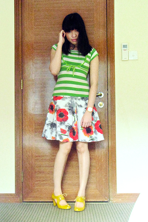 green landmark top - red akita skirt - gold cutout oxford shoes - red Singapore 