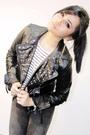 Black-zara-jacket-white-mango-top-black-levis-jeans