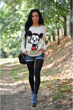 H&M blouse - BBup boots - Terranova shorts