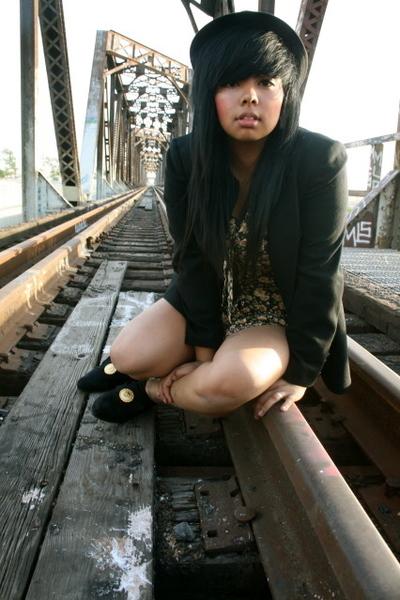 black idk blazer - gold I dont know dress - black popular shoes shoes - Forever