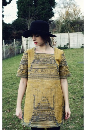 Raquel Zorraquin dress