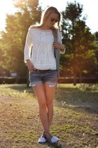 white Zara sweater - sky blue Levis shorts