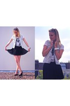 white maison scotch t-shirt - black asos skirt - light blue H&M vest
