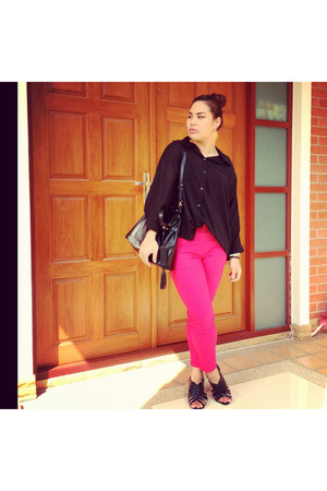 hot pink pants - black Fly Now bag
