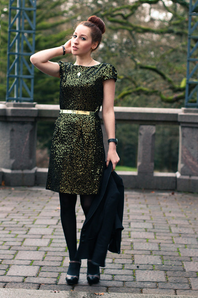 black blazer - gold velvet sequin dress - black heels