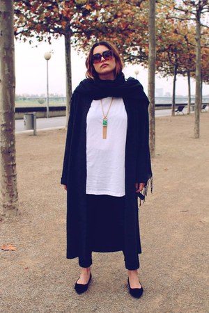 H&M flats - GINA TRICOT pants - Primark vest