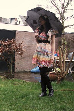 white H&M dress - black GINA TRICOT leggings - black seppl boots - black H&M bel