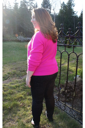black coach bag - hot pink Forever 21 sweater - black Forever 21 pants