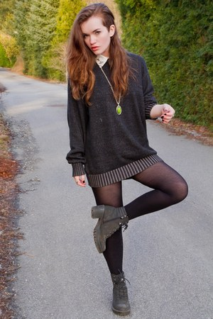 dark gray black lace up Din Sko boots