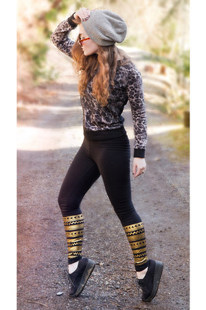 leapord Lily J sweater - grey Vandals hat - gold and black Monki leggings