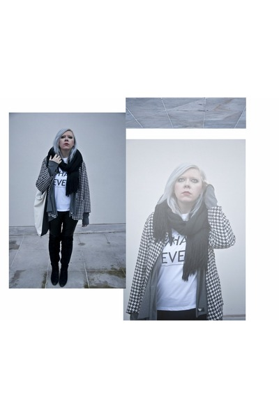 heather gray by insomnia blouse - black second hand scarf