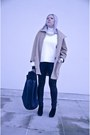 Black-deezee-boots-tan-sh-coat-off-white-front-row-shop-blouse