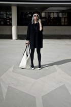 black Bershka hat - off white agalospl bag - black second hand blouse