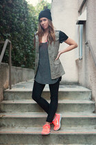nike sneakers - H&M jeans - H&M hat - Zara t-shirt - H&M vest