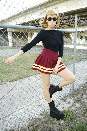 cheerleading skirt - queen ii substitute boots - bodysuit