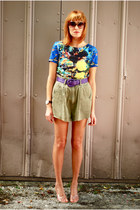 aquarium print blouse - army cutoff shorts - heels
