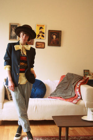 yellow vintage blouse - brown vintage hat - blue vinage blazer