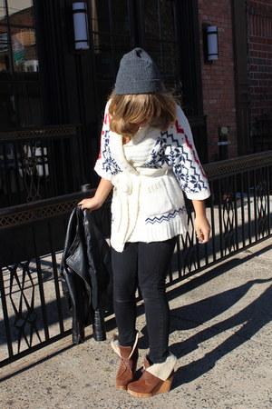 off white Primark sweater - tawny Bershka boots - black Primark jeans