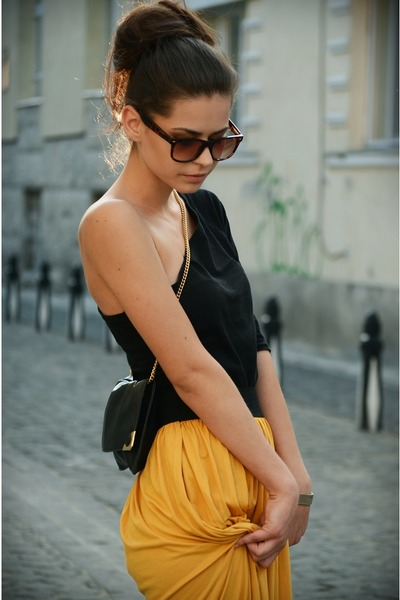 black bag - black top - mustard skirt - gold accessories