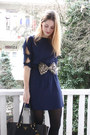 Brown-bow-monki-belt-navy-bow-sleeve-2dayslook-dress-black-zipper-prada-bag