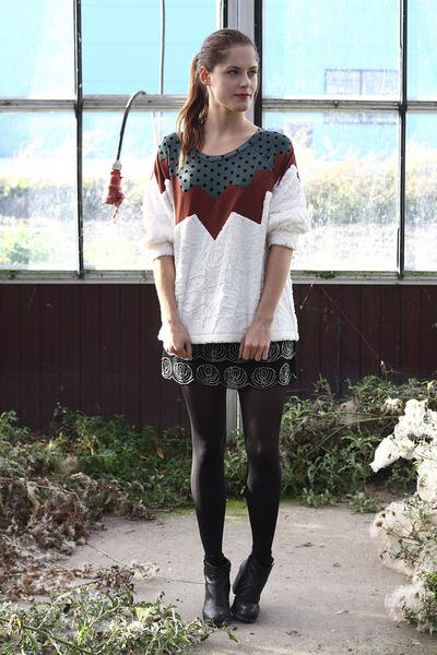white femke agema sweater - black dee vagabond boots