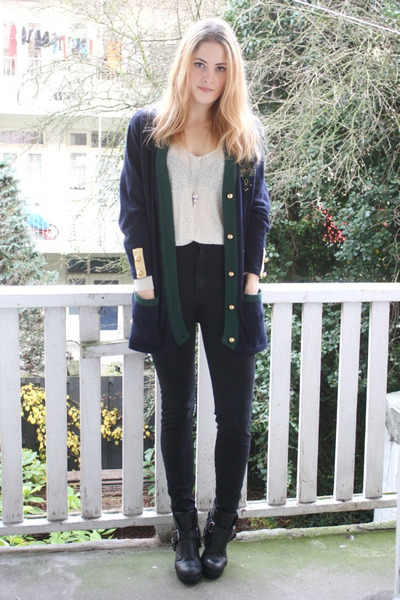 navy buttoned vintage cardigan - black buckle Dolce Vita boots