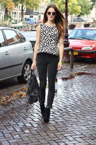 forest green leopard Esprit jeans - black studded Fashionchick boots