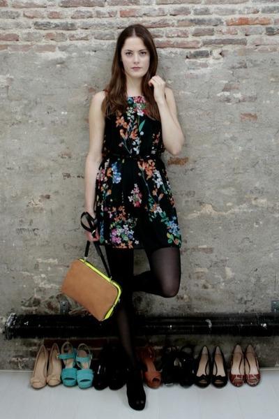 black floral Primark dress - camel neon Zara bag - black suede Nelly heels