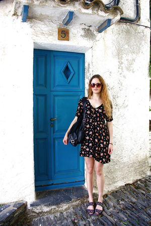 black gifted dress - black vintage purse - blue vintage shoes
