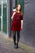 ruby red velvet Romwecom skirt - black ankle vagabond boots