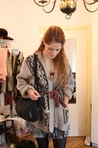 vintage sweater - vintage scarf - Topshop skirt - H&M tights