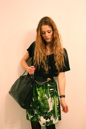 green vintage skirt - black Filippa K t-shirt - black vintage purse - black Booh