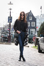Navy-cos-jeans-black-luz-bag-black-mint-berry-cardigan