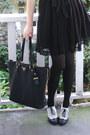 Black-lace-h-m-dress-black-gold-zipper-prada-bag-black-h-m-flats