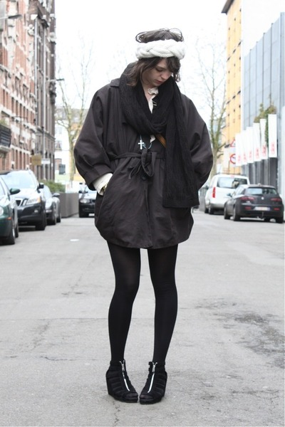 gray H&M Trend coat - black H&M shoes - blue Episode necklace - black H&M scarf