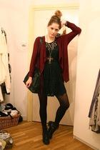 red f21 cardigan - black Love Label dress - black vintage purse - black H&M boot