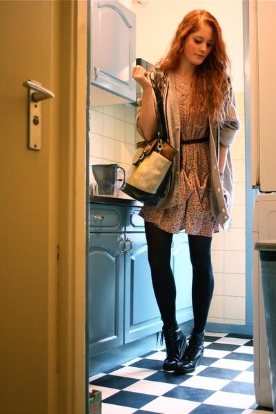 beige vintage cardigan - pink vintage dress - beige vintage purse - black Wedins