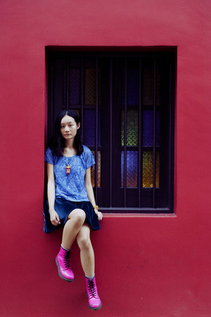 blue velour cotton on dress - hot pink Dr Martens boots