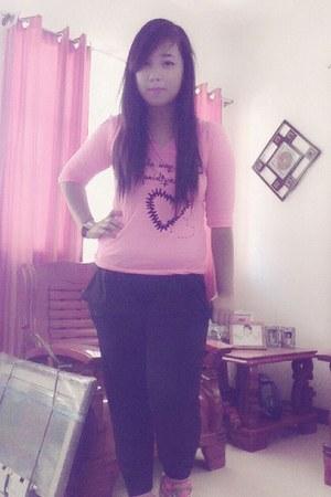 bubble gum blouse - black swagger pants f21 pants - crimson accessories