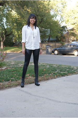 white Gap shirt - black zeroplusfashion leggings - black sam edelman shoes - For