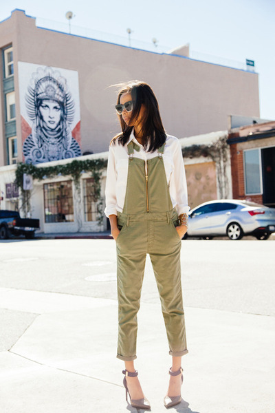 olive green MOTHER Denim pants - white Equipment shirt - tan Dolce Vita heels