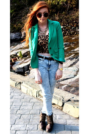 green blazer - faded jeans - leopard print top - glasses